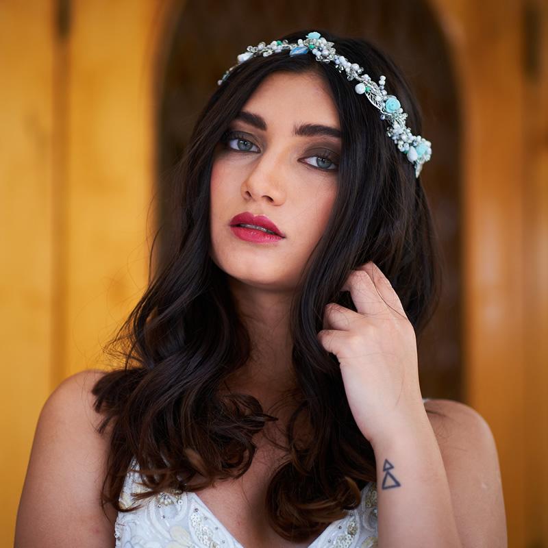 Tocado de novia corona azul